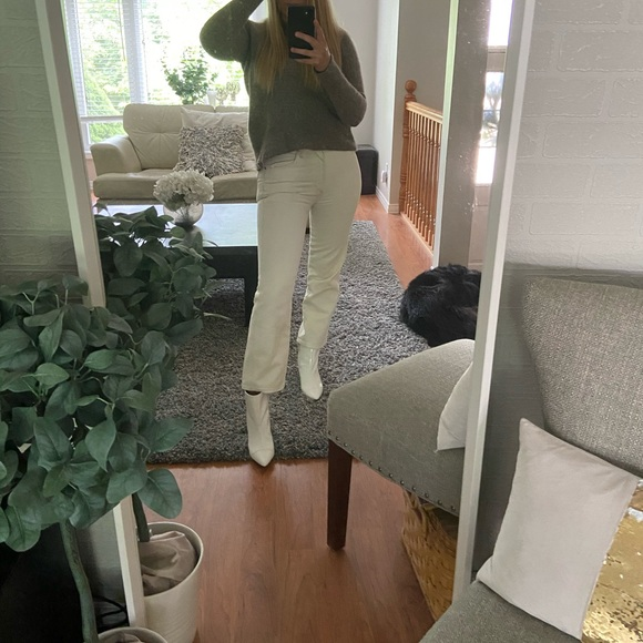 White Aritzia jeans! WILFRED/CITIZENS OF HUMANITY